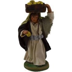 Pastore con cassetta di frutta sulla testa 10 cm  - 1