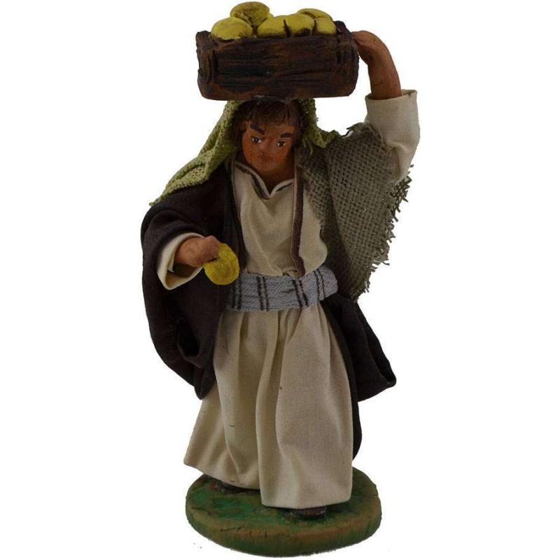 Mondo Presepi Pastore con cassetta di frutta sulla testa 10 cm