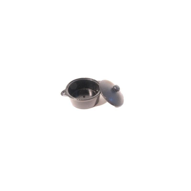 3 cm dark steel pan with lid