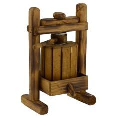 Artisanal woodwork 7,8x6, 8x12, 5 h