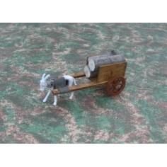 Carro piccolo in legno con asino al traino