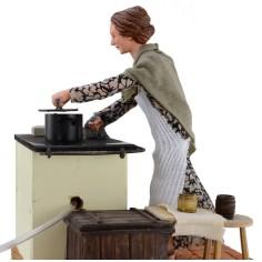 Donna 30 cm in cucina con movimento e effetto fumo