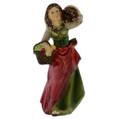 Donna con cesto e legna in spalla serie 10 cm in resina