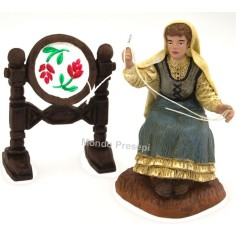 Mondo Presepi Ricamatrice con tamburo serie cm 10 Oliver