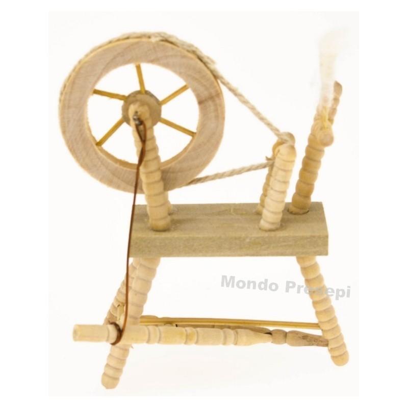 Wooden spinning wheel cm 6,5x9 h.