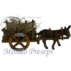 Carretto in legno con paglia