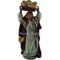 Donna con cesta di pane Lux cm 12