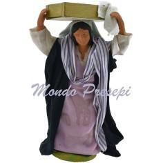 Donna con cassetta di pane cm 12