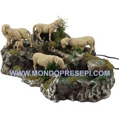 Mondo Presepi Gruppo pecore in movimento con ruscello